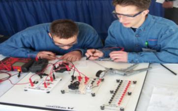 Sistema de Entrenamiento para Armar y Desarmar Circuitos Automotrices Eléctricos/Electrónicos Reales Modelo MEGFORD-EE